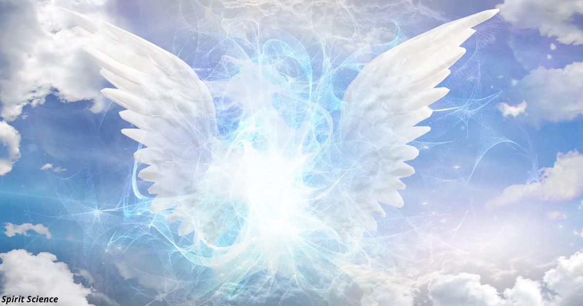 Странные ощущения в животе — и ещё 5 признаков, что с вами пытается связаться ваш ангел-хранитель