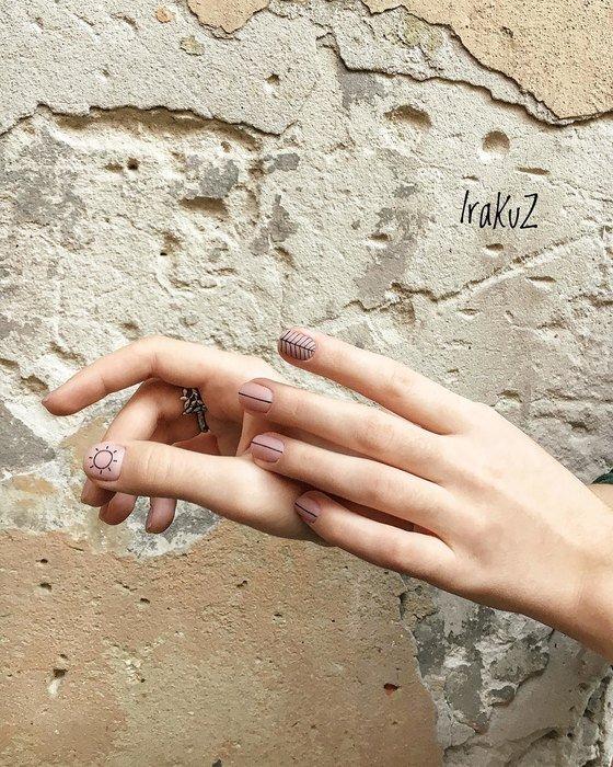 Татуировки на ногтях: новый тренд, который сводит с ума мужчин