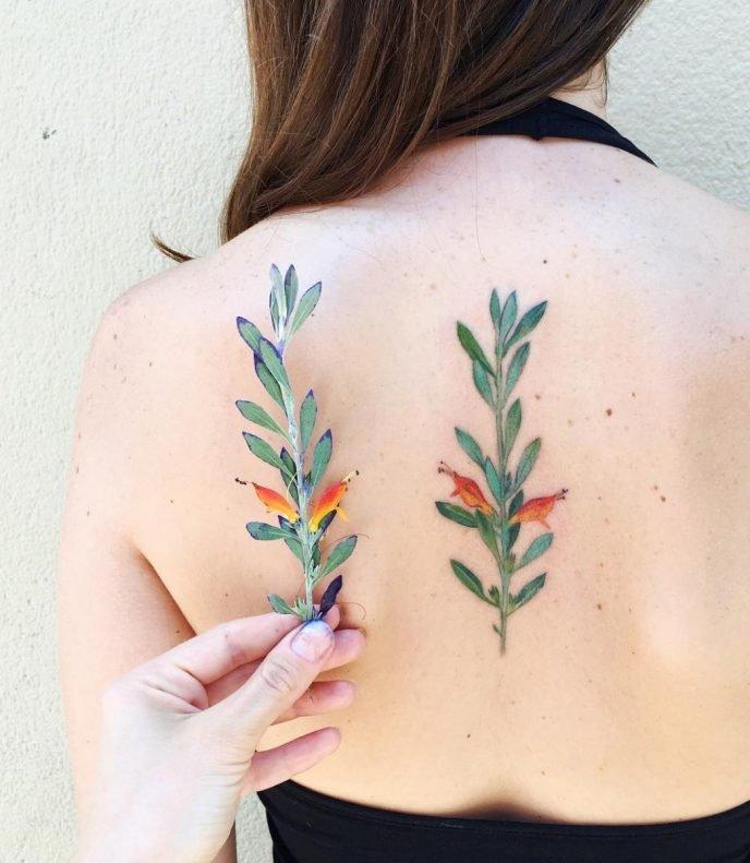 Невероятные татуировки, которые выглядят как реальные цветы