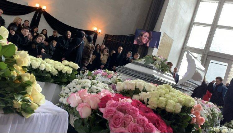 На прощании с Юлией Началовой огласили официальную причину смерти