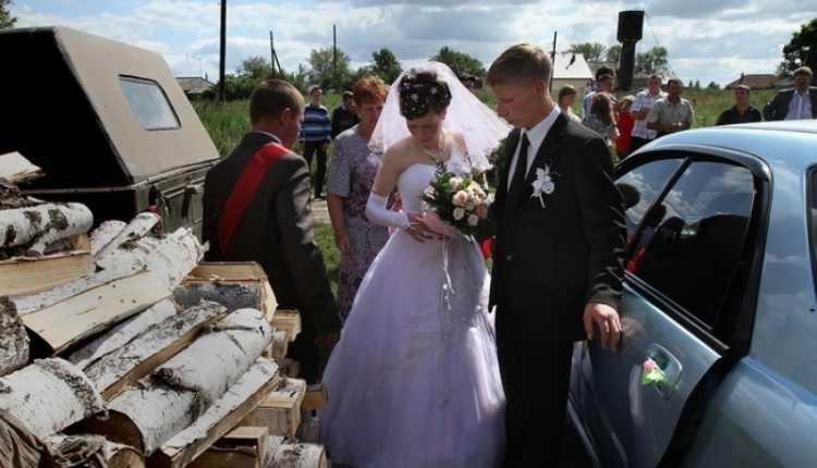 Тотальный трэш деревенских свадеб: 50 смешных фото