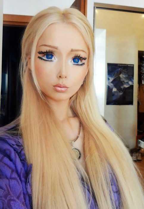 Девушки, превратившие себя в «живых Барби»