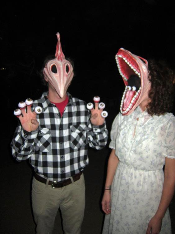30 Hilariously Unique Halloween Costumes For Couples That Don't Like Boring Halloween