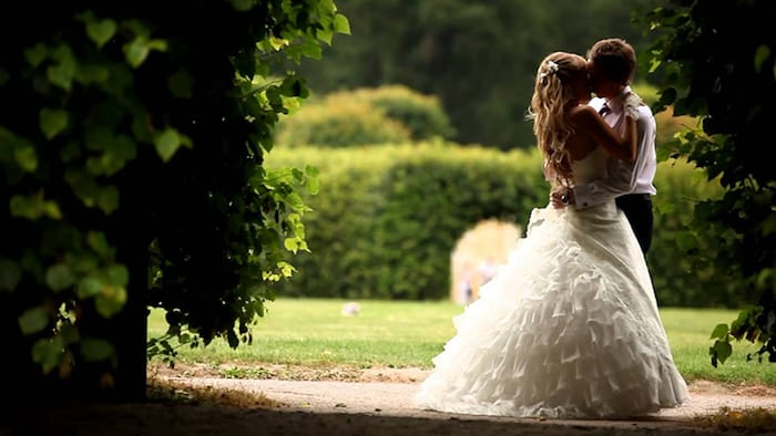 Выберите месяц в котором вы сыграли свадьбу, и узнайте, что ждет ваш брак