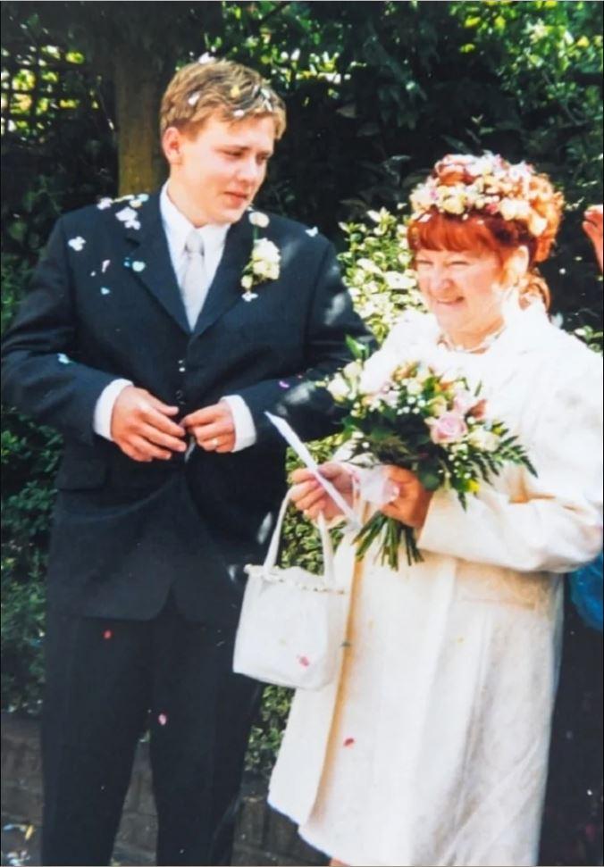 Что стало с браком 51-летней бабушки и 17-летнего подростка спустя 18 лет
