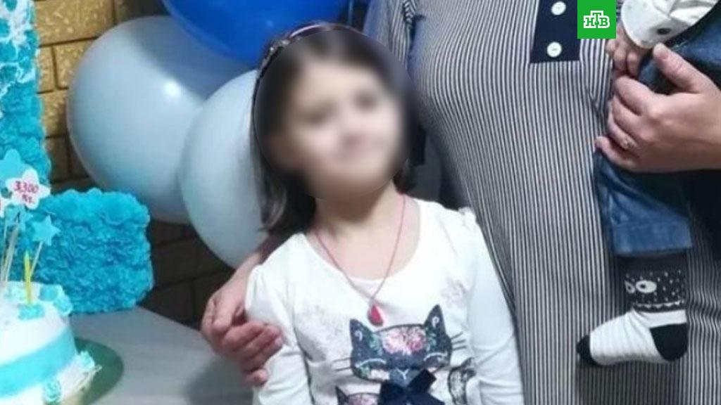 Сосед изнасиловал и бросил умирать в туалете 9-летнюю девочку. ВИДЕО