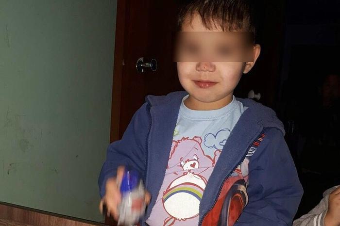 В Иркутске многодетный отец-убийца нанёс 90 ударов четырехлетнему ребенку за то, что он испачкал штаны
