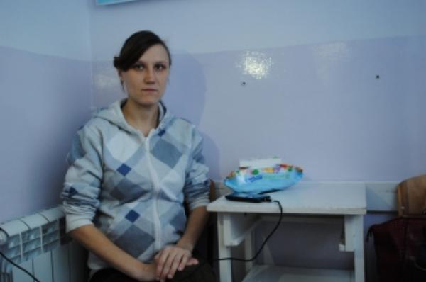 «Рожай, где хочешь»: в Мелитополе беременную сироту выгнали из больницы на мороз (фото, видео)