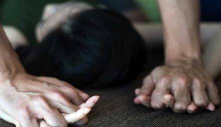 Мужчина изнасиловал 14-летнюю девочку, ее бабушку и убил котов…