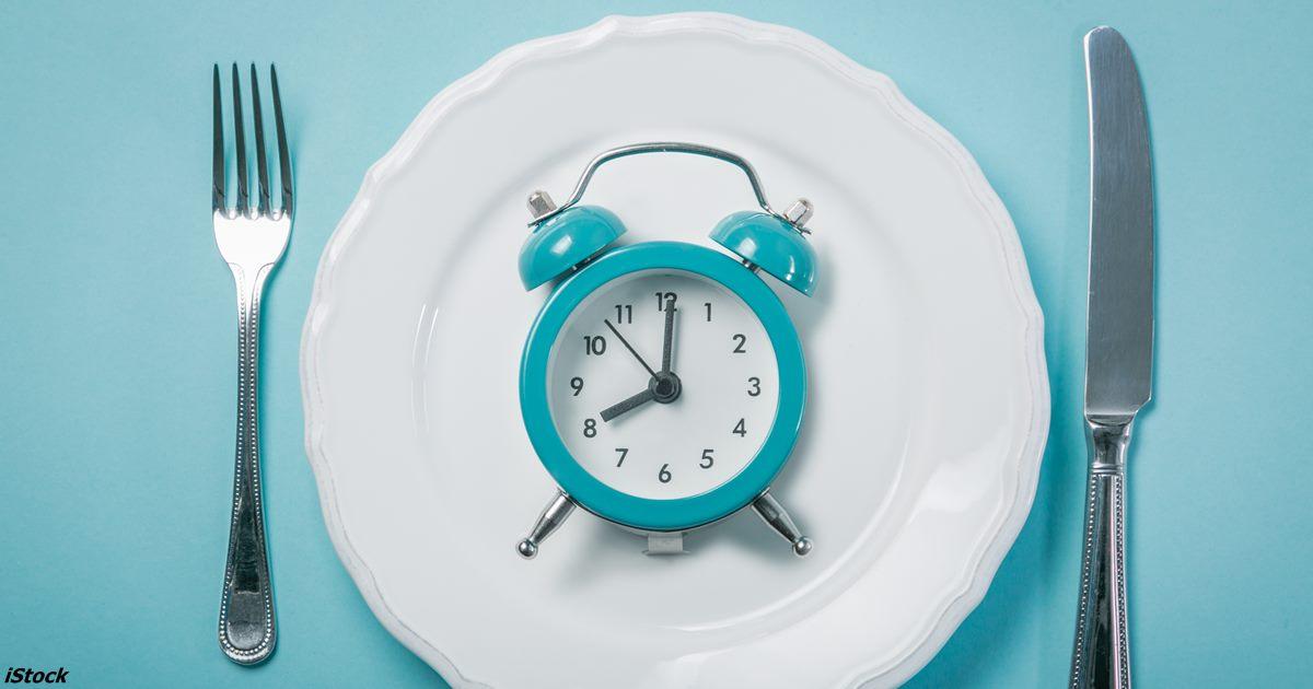 Каждодневный прерывистый пост помогает жить дольше. Исследование