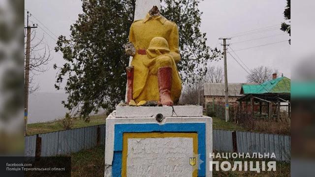 Вандалы оторвали голову неизвестному солдату в Украине!