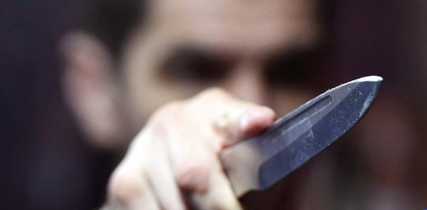 Отец изнаsилованной 14-летней девочки убил наsильника дочери прямо в зале суда