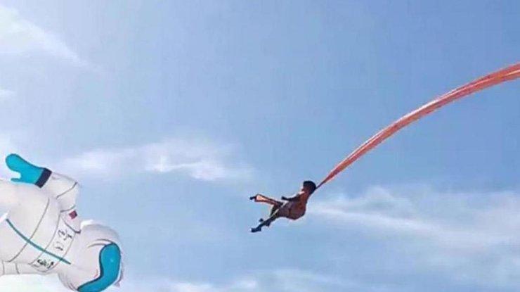 Воздушный змей унес ребенка в небо