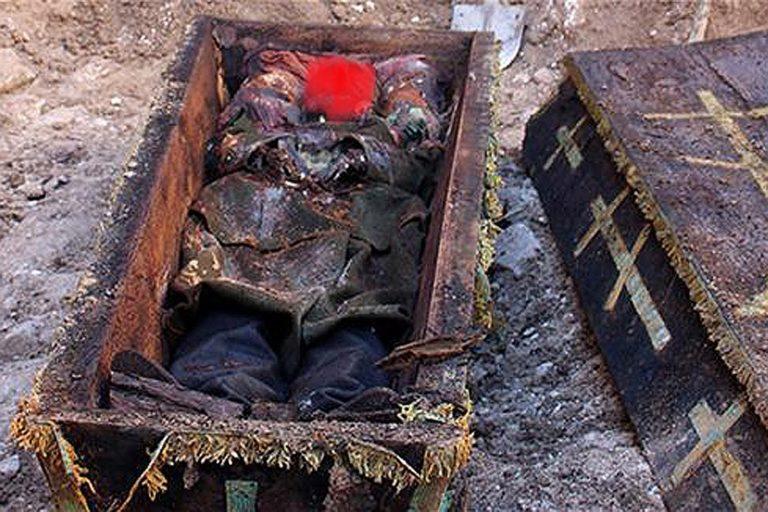 Камера в гробу снимала 2.5 года: увиденное шокировало всех