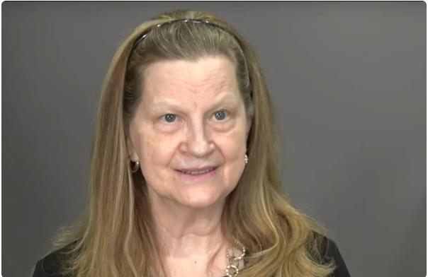 Стилист сделал 70-летней женщине роскошную омолаживающую прическу, чтобы она могла вновь почуствовать себя 30-летней